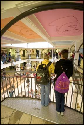 Beekdal Lyceum Arnhem aula balustrades